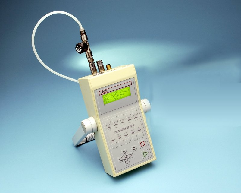 CDF Kalibrátor průtoku a tlaku